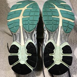 Asics Shoes - 2019-Jun-23 Woman's Asics Gel-Flux Size 7.5 Sneaks